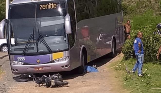 Ônibus atropela e mata pastor em Ilhéus (BA).