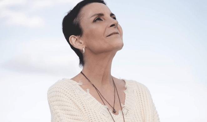 Cantora gospel Ludmila Ferber fala sobre sua luta contra câncer.