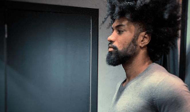 Juninho Black é ex-vocalista da banda gospel Preto no Branco.