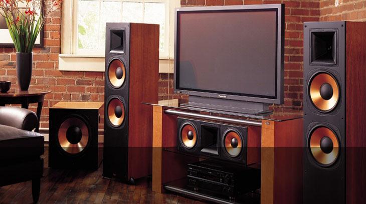 Cassa acustica amplificata, vantaggi e svantaggi