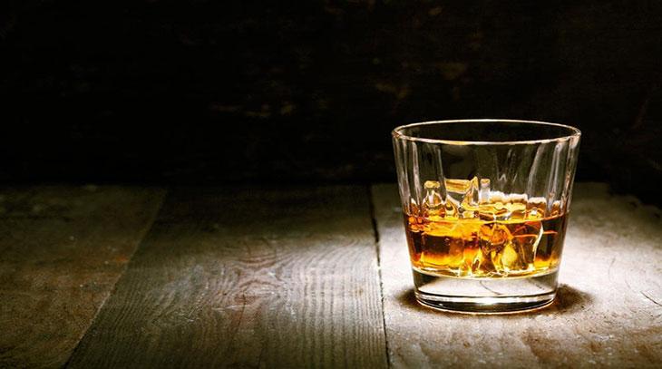 L'alcol sull'etichetta, leggerla e capire quanto ne beviamo