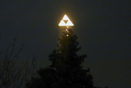 triforce_tree_topper