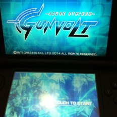 E lembre-se, Mighty Gunvolt só está gratuito para aqueles que comprarem Azure Striker Gunvolt até dia 28/Nov/2014