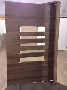 Porta de madeira de entrada - Porta Pivotante - Cedro Arana - Fábrica