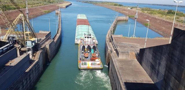 Depois de dois meses, Rio Paraná volta a ser navegável