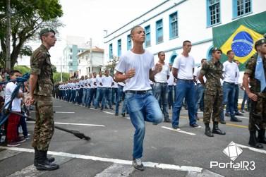 Incorporação de jovens no Batalhão Borba Gato em Pindamonhangaba. (Foto: Alex Santos/PortalR3)