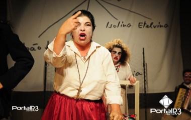 """Espetáculo adulto """"Rasto atrás"""" no Feste 2018. (Foto: Luis Claudio Antunes/PortalR3)"""