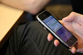 Uso excessivo de celular pode levar à ansiedade e até depressão