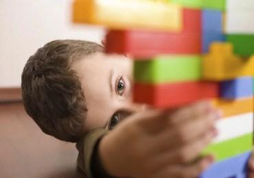 Cientistas encontram nos olhos de bebês uma chance para detectar precocemente o autismo