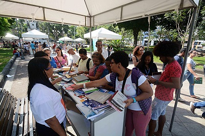 VI Parada do Livro vai distribuir 40 mil livros de graça na sexta (25)