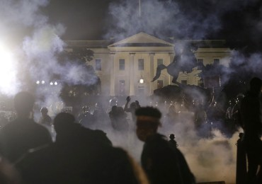 Causas da revolta popular nos Estados Unidos