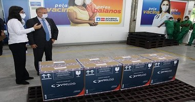 Bahia recebe primeiro lote com vacinas da Pfizer