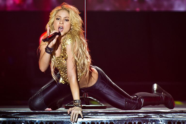 Shakira durante a The Sun Comes Out World Tour