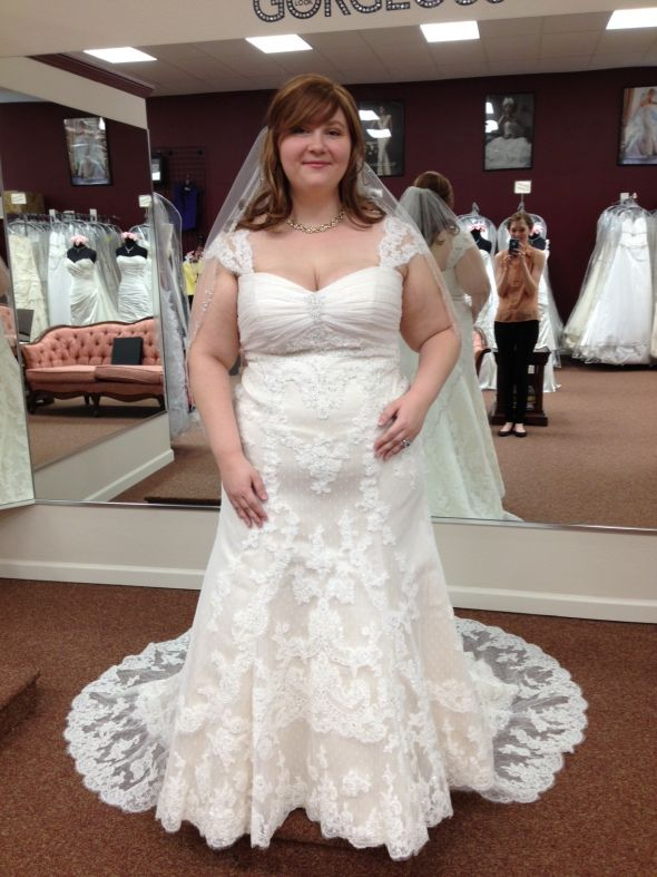 plus-size-lace-wedding-dresses---dress-recommend-1xmxoztf