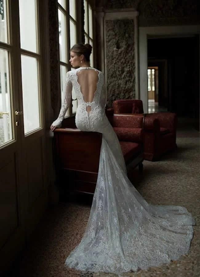 vestido-de-noiva-com-decote-nas-costas-com-renda
