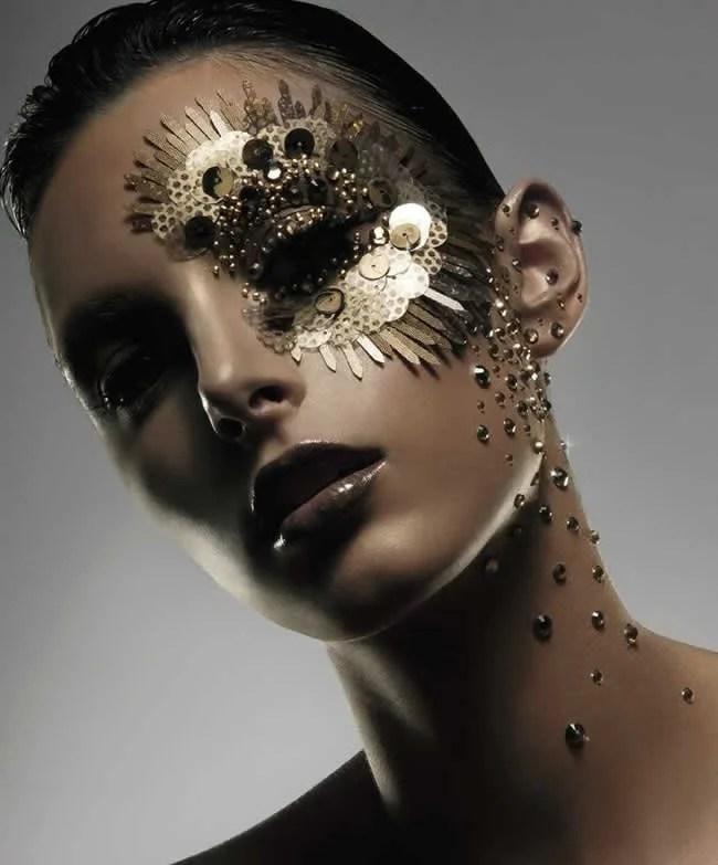 maquiagem-carnaval-artistica-paetes
