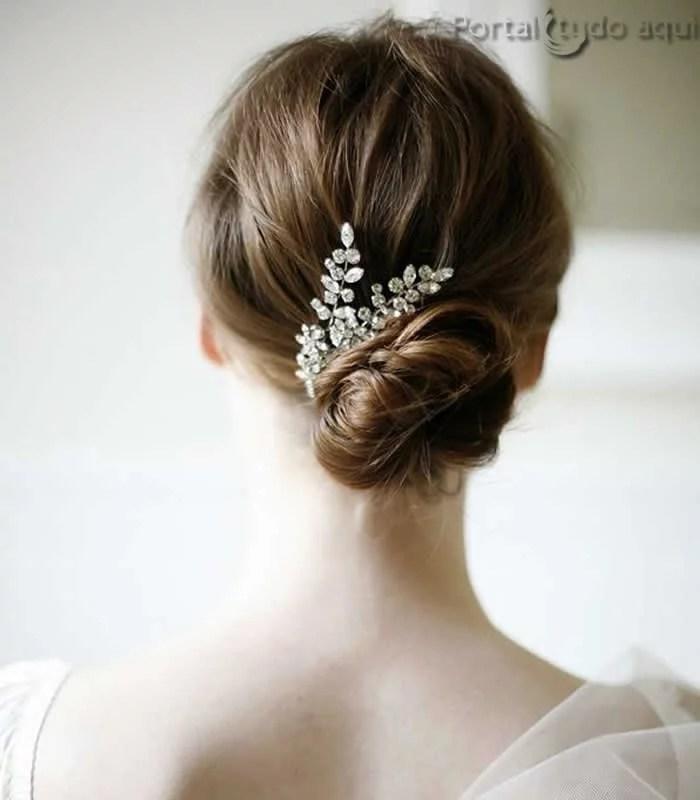 penteado-para-noiva-coque-com-presilha