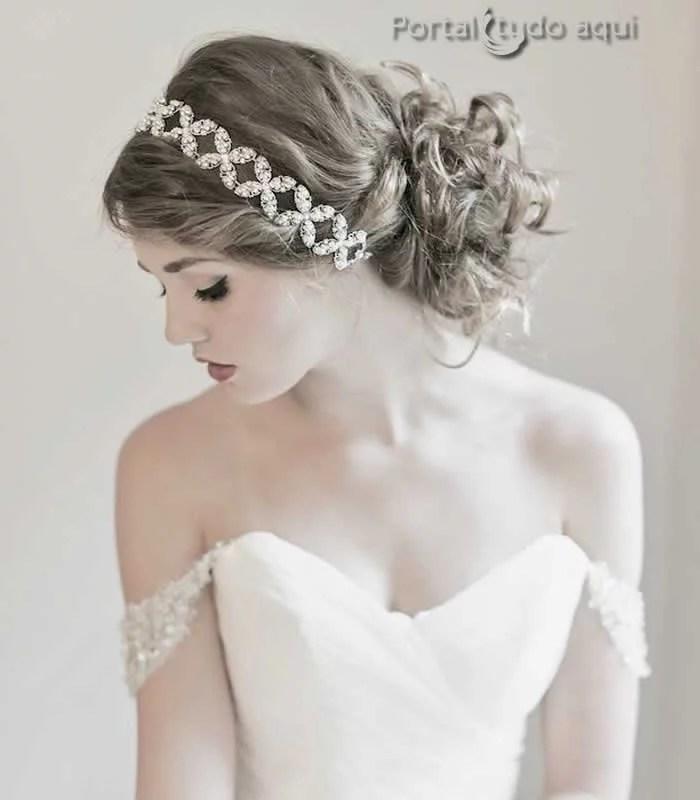 penteados-para-noivas-cabelo-coque-lateral-com-tiara