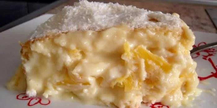 bolo-cremoso-de-abacaxi-com-coco