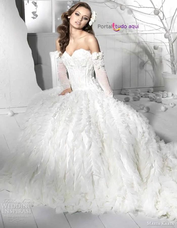 vestido-debutante-longo-modelo-princesa-branco-saia-volumosa-camadas-babados-fita-setim