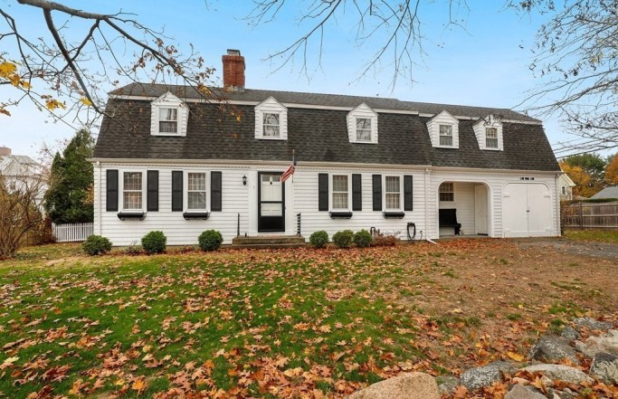 Lovely 1930s Mansard Colonial in Marblehead