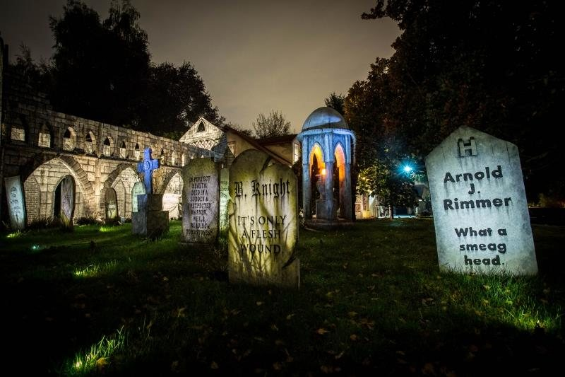 Graveyard Haunted House
