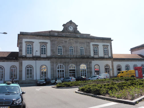 Porto Campanha train station