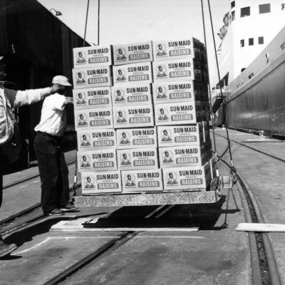 Sun Maid raisins being loaded into ship