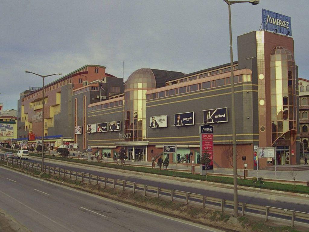 مول أي-مركز (Aymerkez AVM) في بيوك شكمجيه