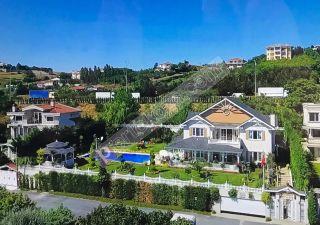 فيلا للبيع  مقيم للجنسية التركية غرف 5+2 في بيوك جكمجة ، حي جلالية