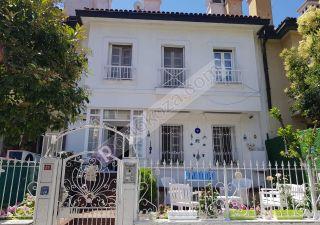 فيلا للبيع  غرف 9+2 في باشاك شهير ، حي بهشا شهير