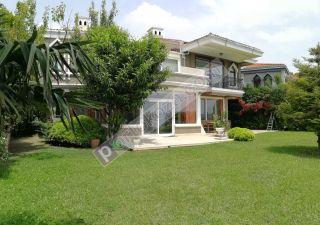 فيلا للبيع  مقيم للجنسية التركية غرف 7+2 في بيوك جكمجة ، حي معمار سنان