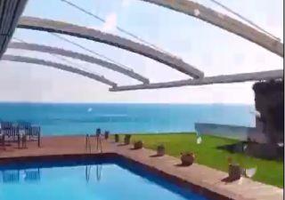 فيلا للبيع  على البحر غرف 6+2 في بيوك جكمجة