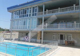 شقة مفروش للبيع  على البحر غرف 15+6 في عدنان قهوجي