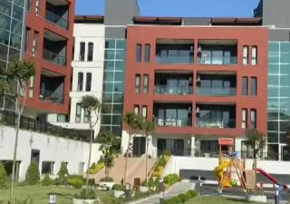 شقة للبيع  على البحر غرف 6+2 في ياكوبلو
