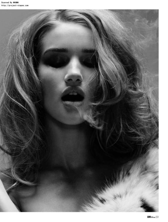 Rosie Huntington-Whiteley photographed by Yu Tsai for DT Spain, January 2010 2
