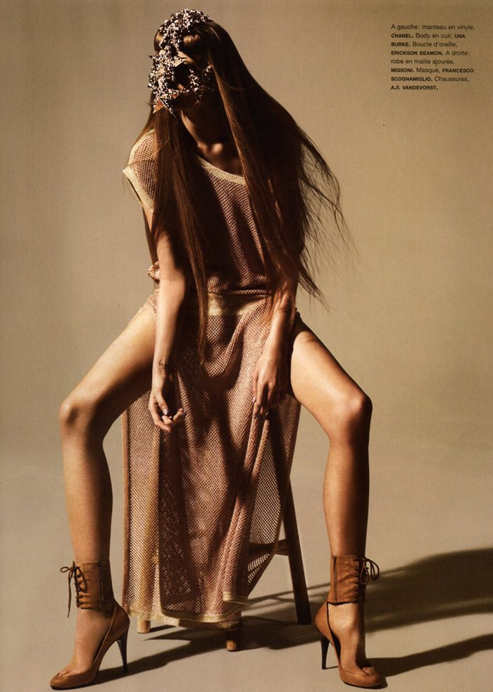 """Abbey Lee Kershaw photographed by Miguel Reveriego in """"Oiseau Rare"""" for Numéro #109 2"""