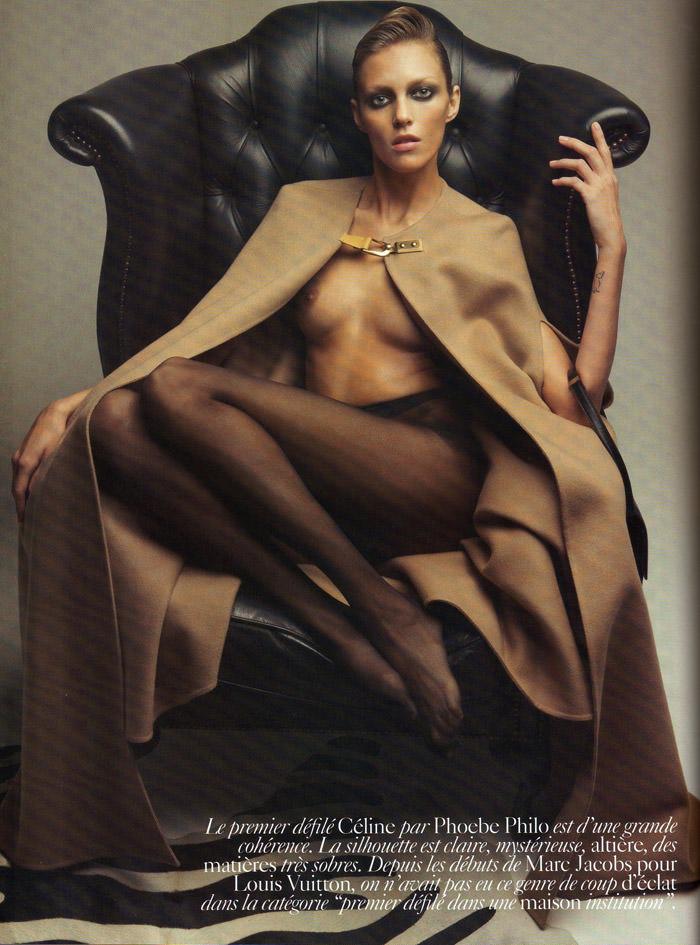 """Phoebe Philo & Anja Rubik photographed by Patrick Demarchelier in """"L'art De La Philo"""" for Vogue Paris, March 2010 3"""
