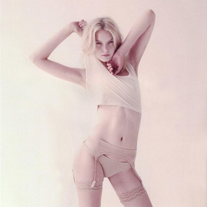 """Anastasija Kondratjeva photographed by Barnaby Roper in """"Star Child"""" for S Magazine #10 4"""