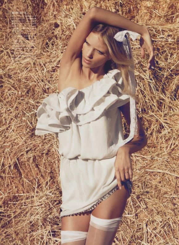 """Anja Rubik photographed by Camilla Akrans in """"The Farmer's Daughter"""" for Vogue Nippon, March 2010 3"""