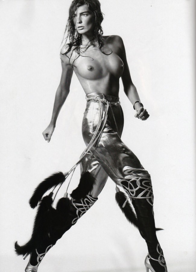 Daria Werbowy photographed by David Sims for Vogue Paris, April 2010 12