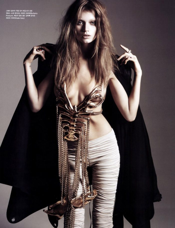 """Abbey Lee Kershaw photographed by Rafael Stahelin in """"Lovely Bones"""" for Vogue Korea, April 2010 5"""