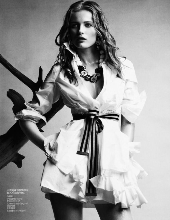 "Edita Vilkeviciute photographed by Patrick Demarchelier in ""Wonderful Shirts"" for Vogue China, April 2010 2"