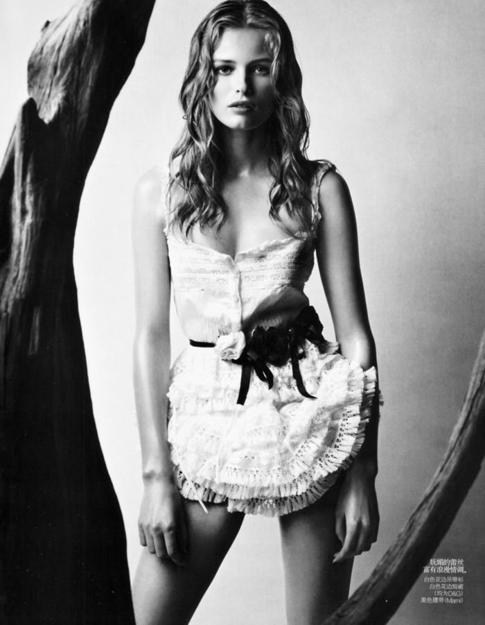 "Edita Vilkeviciute photographed by Patrick Demarchelier in ""Wonderful Shirts"" for Vogue China, April 2010 5"