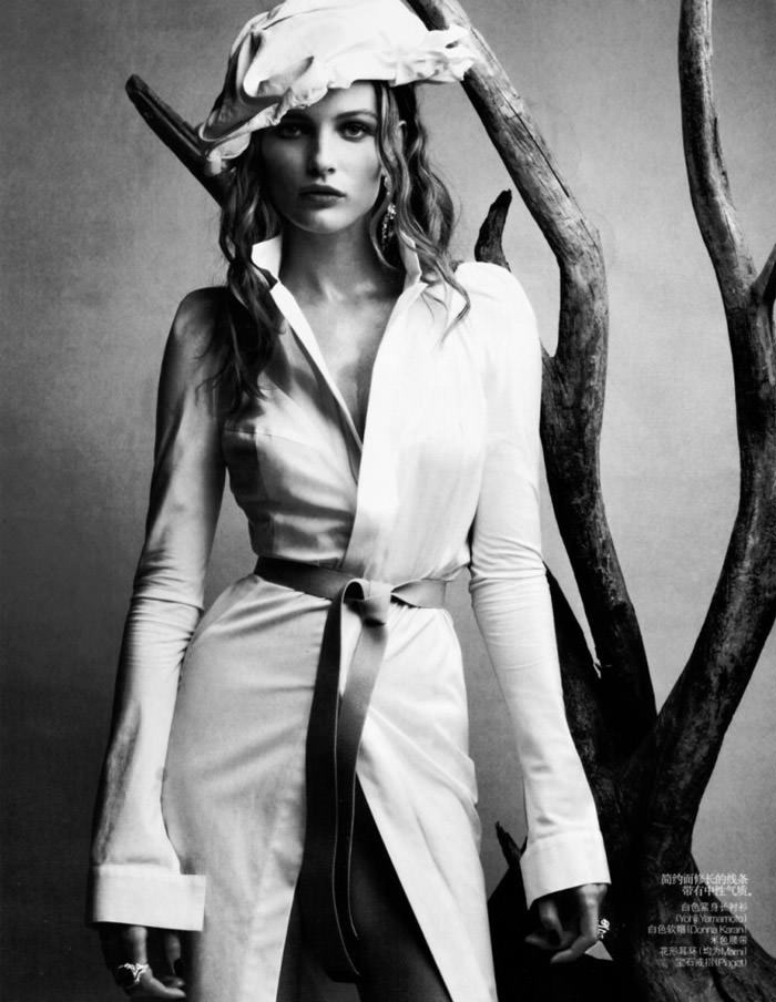 "Edita Vilkeviciute photographed by Patrick Demarchelier in ""Wonderful Shirts"" for Vogue China, April 2010 9"