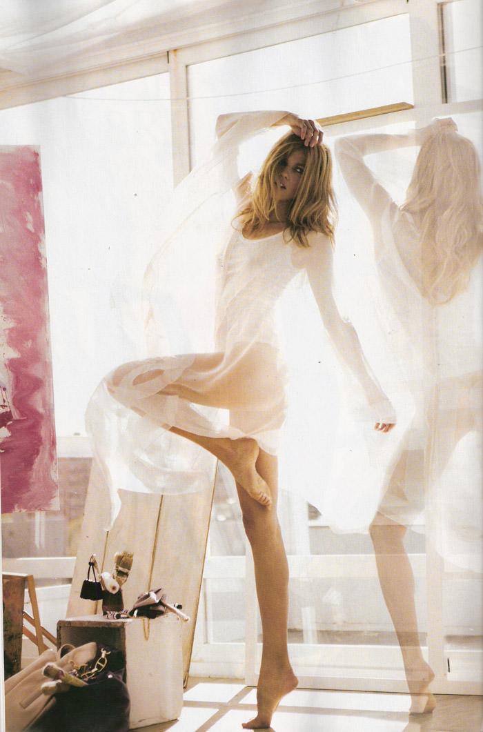 """Masha Novoselova photographed by Mario Sierra in """"Nude Sobre Piel"""" for Elle España, April 2010 4"""