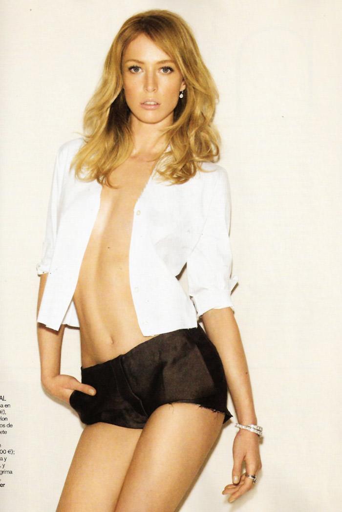 """Raquel Zimmermann photographed by Alex Cayley in """"Sola Ante El Peligro"""" for Vogue España, May 2010 10"""