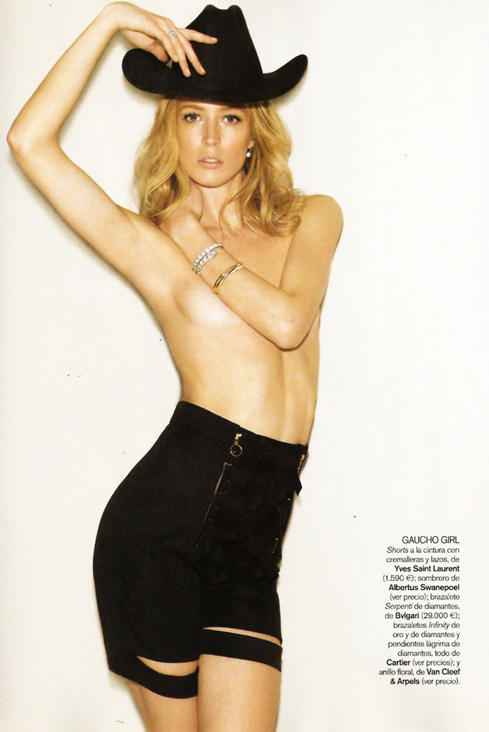 """Raquel Zimmermann photographed by Alex Cayley in """"Sola Ante El Peligro"""" for Vogue España, May 2010 11"""