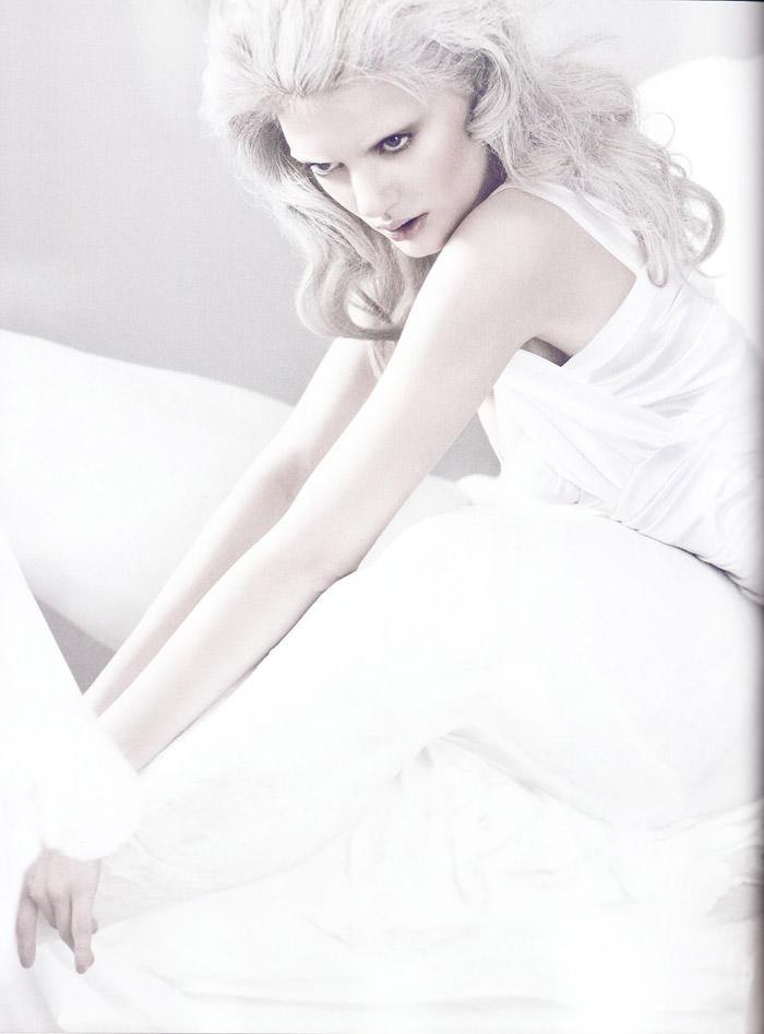 Bregje Heinen photographed by Signe Vilstrup in L'idole Éternelle for Tush #2, Spring 2010 7