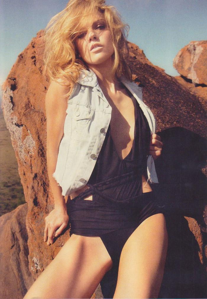 Masha Novoselova photographed by James Macari for Vogue España, June 2010 3